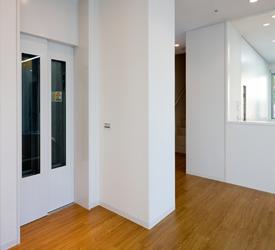 1階エレーベーターホール